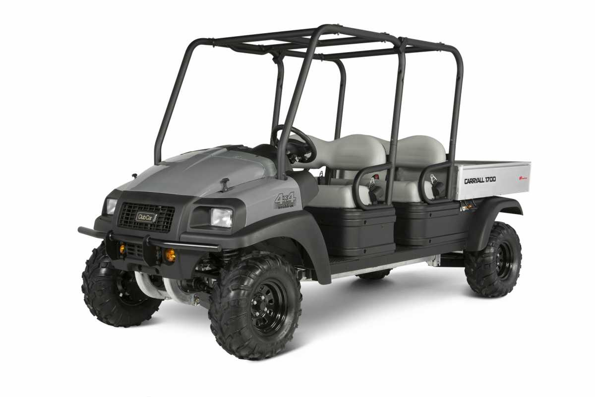 Carryall 1700 4x4 AWD utility vehicle