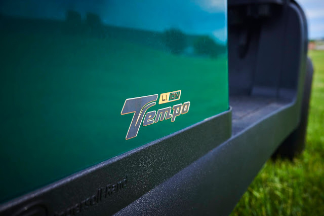 Tempo Li-Ion golf cart with logo
