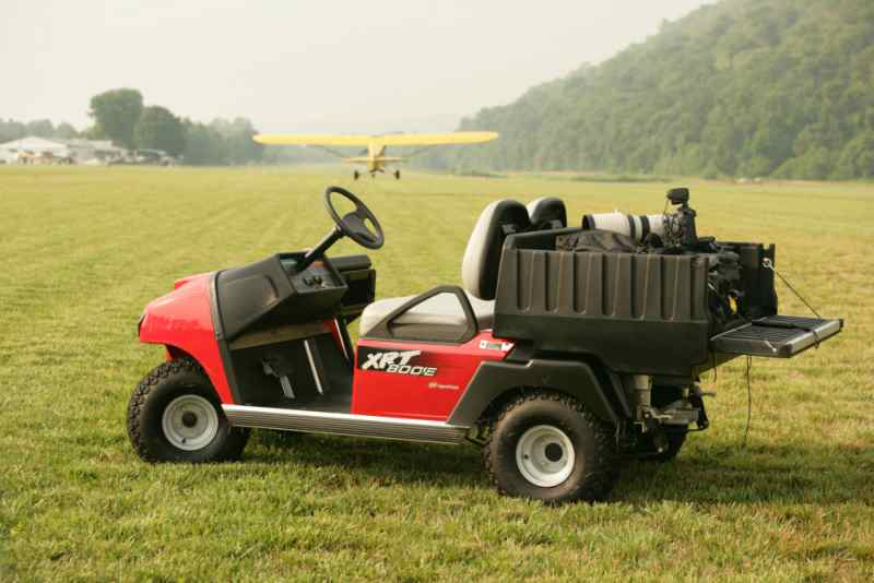 XRT800 4x2 utility vehicle